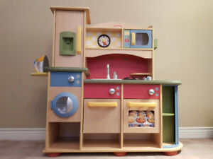 Little Tikes Deluxe Wooden Play Kitchen U0026 Laundry Centre