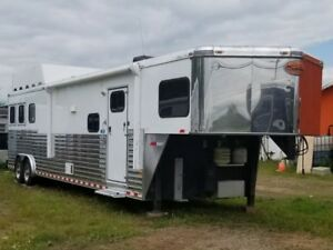 Sundowner 3 Horse Trailer With Living Quarters