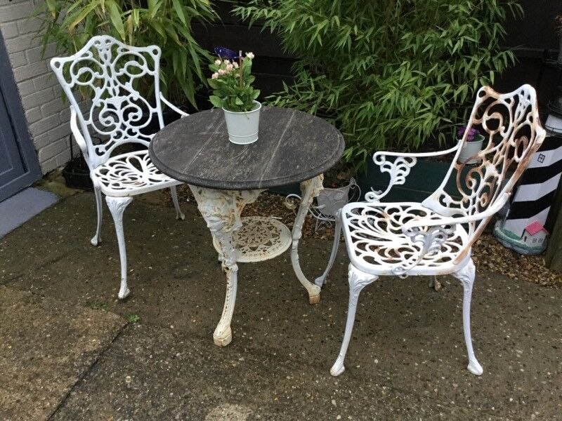 Charming Garden Table And Chairs Rustic Looking