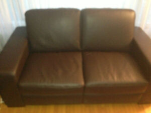 Chocolate Brown Genuin Leather Sofa With 1 Matching Chairs
