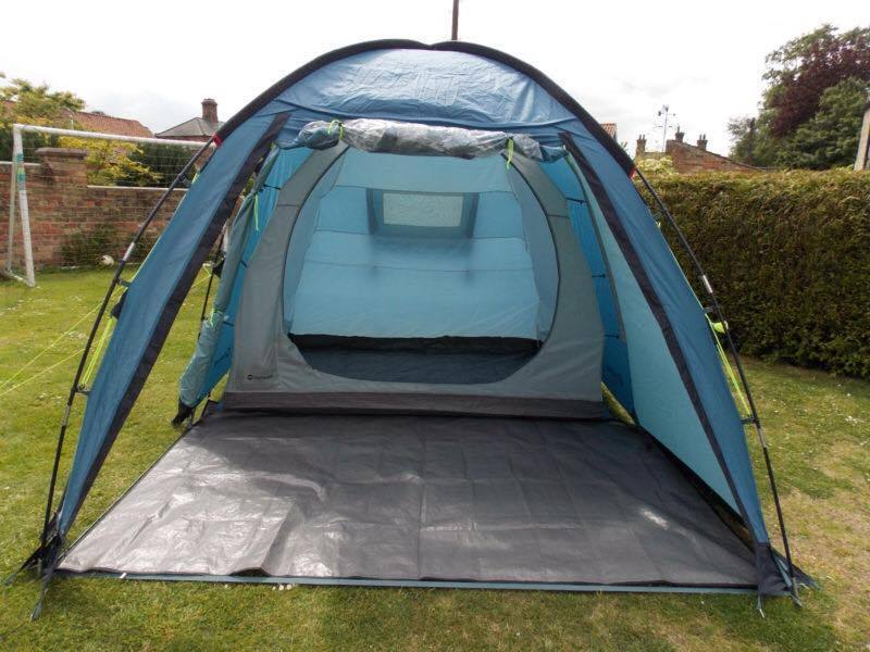 Arizona L 3 man done tent that you can stand up in and has a lounge & Arizona L 3 man done tent that you can stand up in and has a ...