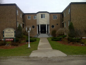 Awesome COLLINGWOOD   Beautiful 1 Bedroom Apartment