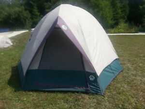 4 person dome tent & Escort Tent | Kijiji in Ontario. - Buy Sell u0026 Save with Canadau0027s #1 ...