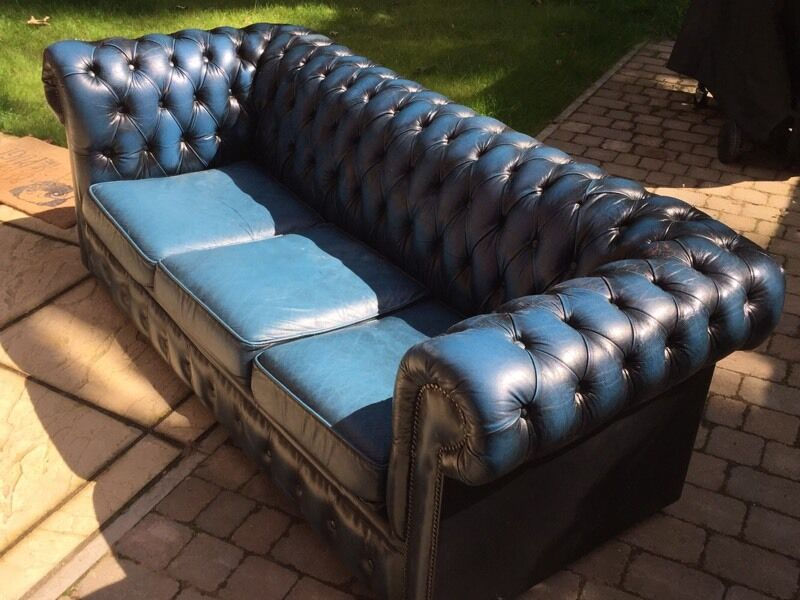 Incroyable Electric Blue Chesterfield Sofa