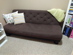 Futon Or A Couch In Edmonton Kijiji Clifieds