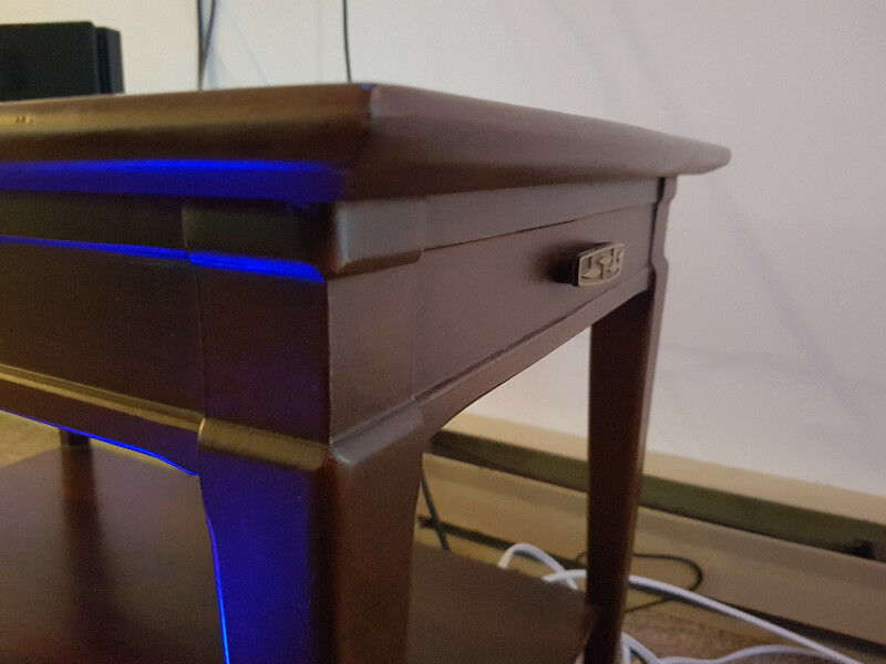Solid Wood End Table | Coffee Tables | Trenton | Kijiji