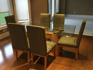 Canadel Dining Table With 4 Custom Chairs.