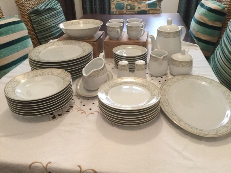 Beautiful Schiller German Dinner Service Brand New & Beautiful Schiller German Dinner Service Brand New | in Pontnewydd ...