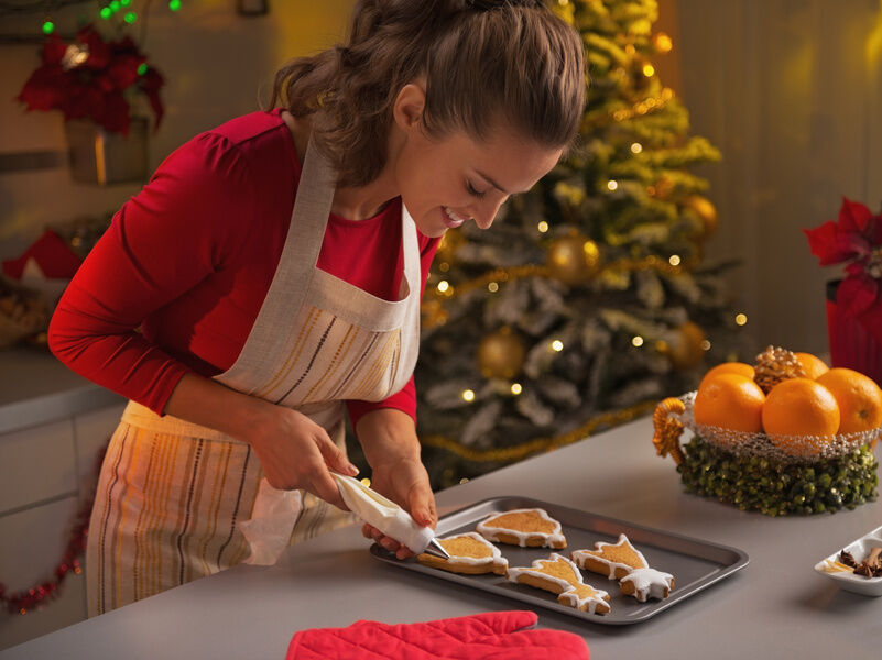 Easy Ways Anyone Can Make Their House Smell Like Christmas | eBay