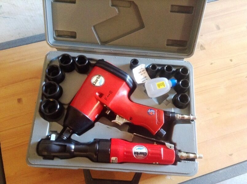 Clarke CAT232 14pce Air Impact Wrench & Ratchet Set