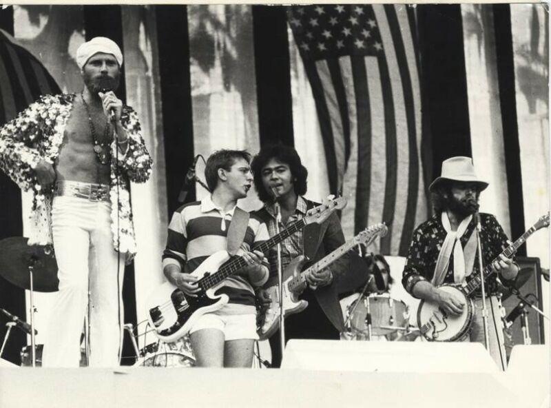 The Beach Boys Wembley Stadium 1975 Concert Original Stamped 6x8 Photo w snipe