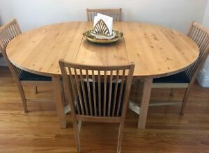 Solid Wood Dining Table Extendable w/ 4 Chairs - Free Delivery