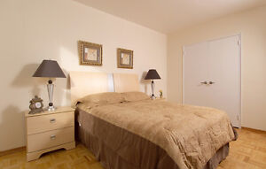 1441 Lawrence Avenue - Summit Place - 3 Bedroom Apartment for...
