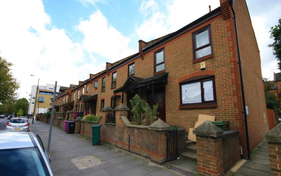 BRAND NEW THROUGHOUT 4 BED 2 BATH OPPOSITE ISLAND GARDENS DLR STATION- MANCHESTER ROAD E14