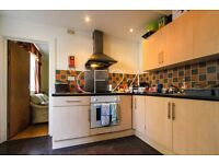 NO AGENCY FEES. Fantastic 6 Bed Student House Available 1st Of July