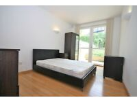 GREENWICH STUDENTS- AVAILABLE 8TH SEPTEMBER- 3 DOUBLE BED DUPLEX 2 BATH WITH GARDEN FURNISHED