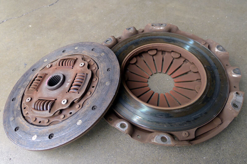 A typical worn out clutch.