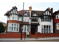 !!!!! BE READY TO BE AMAZED!!!!! 6 BED, 2 BATH, 3 WCs HOUSE WITH GARDEN!!! 5 MINS LEWISHAM STTAION