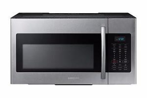 Micro-ondes Hotte Intégrée 1.7 pi³ Acier inoxidable Samsung ( ME17H703SHS )