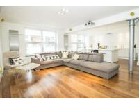 2 bedroom flat in Northuburgh Street, EC1V