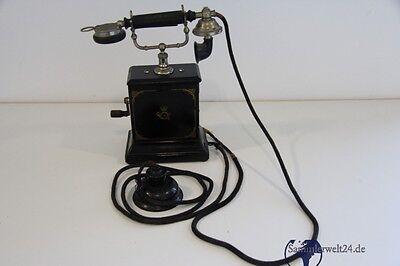 altes Telefon mit Kurbel Kurbeltelefon