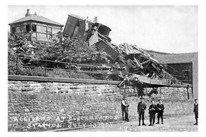 pt0122 - Railway Train Accident at Cleckheaton Stn , Yorkshire 1905 - photograph