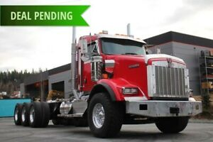 2014 Kenworth T800 Tri-Drive with Extended Daycab T800 Tri-Drive