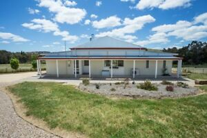 A MUST SEE LOVELY 3 BEDROOM HOME!!!!!