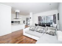 3 bedroom flat in Nelson Street, Whitechapel E1