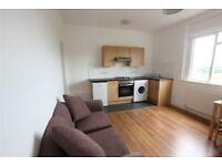 Studio flat in Mount View Road, London, N4 4SL