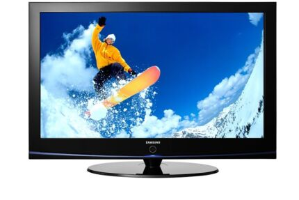 """Samsung 42"""" HD Flat Screen TV with Remote"""