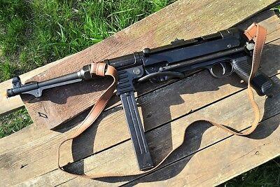 MP40 German Submachine Gun - Schmeisser - German - MP 40 - WWII - Denix Replica