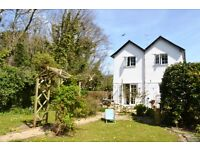 Fabulous Holiday Cottage in Cornwall - short, level stroll to beach, pubs & restaurants