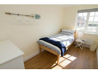 FULLY FURNISHED GOOD SIZE SINGLE ROOM IN KENNINGTON