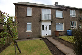 2 Bed lower flat (coming soon) private enclosed gardens to front & rear £500pcm