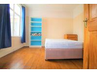 4 bedroom house in Gap Road, SW19