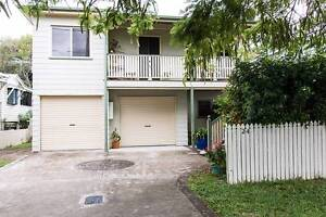 Two bedroom bottom story a short walk to shops and beach Redcliffe Redcliffe Area Preview