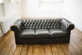 Chesterfield 3 seater sofa. Dark geeen. Pickup from Brixton.