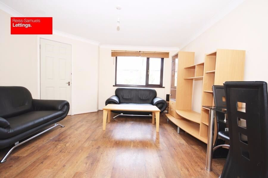 STUDENTS 4 BED 2 BATH OPPOSITE ISLAND GARDENS DLR STATION FURNISHED WITH GARDEN CALL TODAY E14