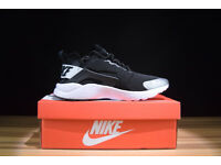 2018 Nike Huaraches *DISCOUNT* (all sizes available)