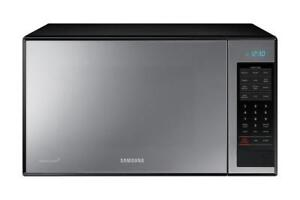 Samsung 1.4 cu.ft. Countertop Microwave, Grill element (SAM1012)