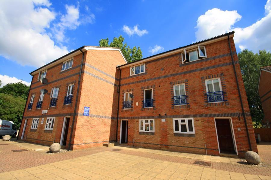BRAND NEW 6 BED 3 BATH TOWNHOUSE NEXT TO MUDCHUTE DLR STATION FURNISHED- E14 CANARY WHARF
