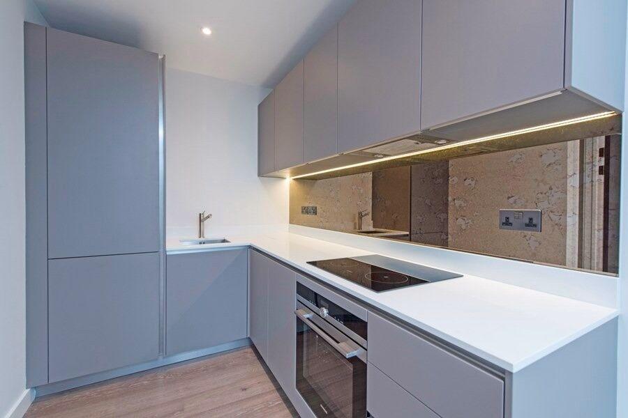 Brand New 1 bedroom flat on Garratt Lane, 1 minute from Earlsfield Station, £335pw
