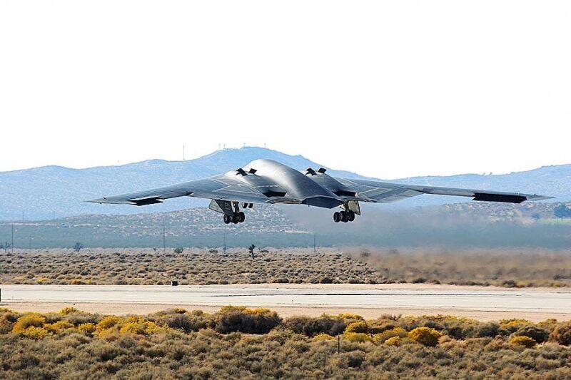 B-2 STEALTH BOMBER TAKE-OFF 8x12 SILVER HALIDE PHOTO PRINT