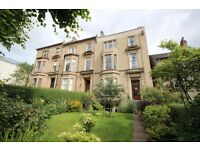 Ground Floor 2 Bedroom Duplex Apartment Located on Winton Drive in West End of Glasgow (ACT 581)