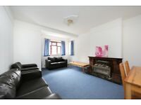Spacious 3 bedroom flat in ex local block in Clapham South, furnished, available 29th May £375pw
