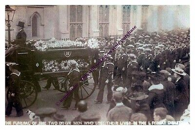 rp13435 - Funeral of Serena Lifeboat Crew , Ryde , Isle of Wight - photo 6x4