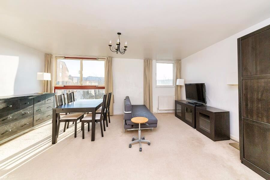Spice Court - A furnished and modern one bedroom apartment to rent with allocated parking