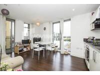 2 bedroom flat in Venice Corte, Lewisham, SE13