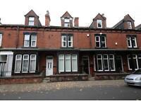 1 bedroom flat in Springfield Mount Leeds LS12 3QX